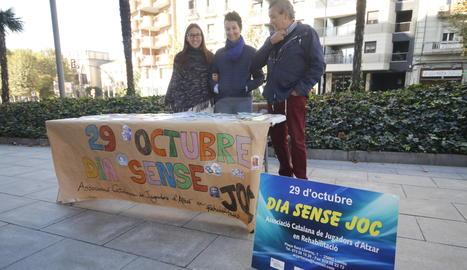 Una taula informativa a Lleida en el marc del Dia sense jocs d'atzar.