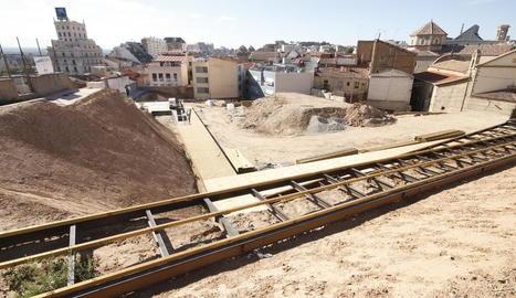 Aquest aspecte presentaven les obres de restauració del barri jueu dilluns passat.
