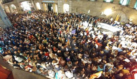 Una vista de la concentració d'aquest dijous a la plaça Paeria.