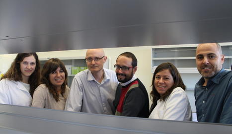 equip. L'equip de Biomeb al complet. D'esquerra a dreta: Anna, Mariona, Manel, Elías, Èlia i Alberto.