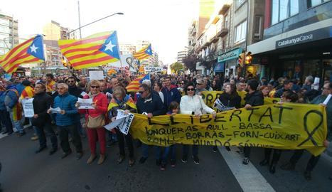 Vista de la capçalera de la manifestació a la seua sortida de Ricard Viñes.
