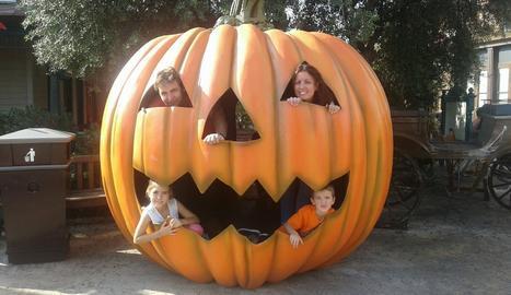 En Dani amb els seus pares i la seva germana Ares.
