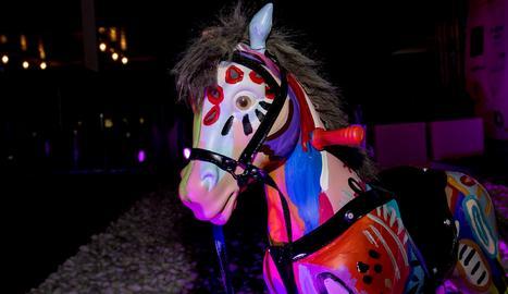 En Xuxu, el petit cavall de colors.
