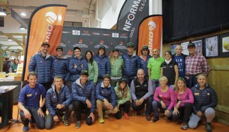 Els membres de la selecció catalana que es van presentar a Vic.