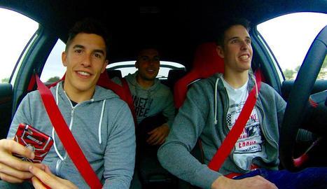 Marc, Àlex i José Luis Martínez, durant el viatge a Xest.