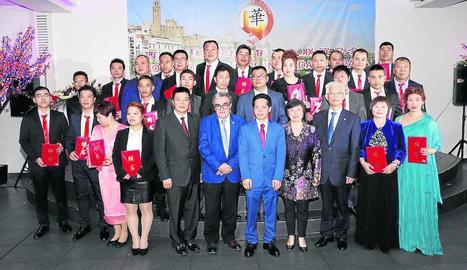 Few Wei Zheng, president de l'acabada de crear associació, al seu restaurant del carrer Acadèmia.