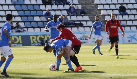 El Lleida no pot amb el líder