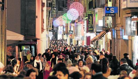 Aspecte del carrer Major durant el Black Friday de l'any passat.
