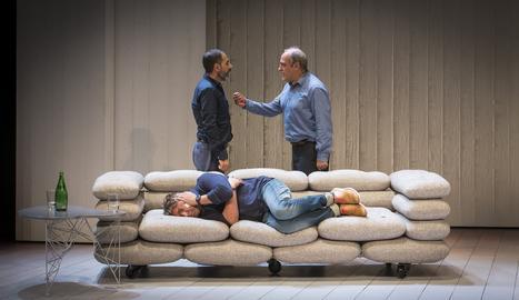 Escena de l'obra de teatre 'Art' a La Llotja