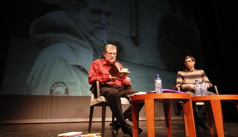 Josep Maria Sala-Valldaura, en l'actuació d'ahir al Cafè del Teatre.