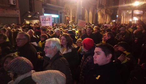 Un moment de la concentració a la plaça Paeria de Lleida