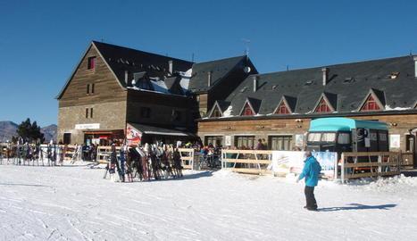L'estació de Port Ainé, que va rebre ahir 650 esquiadors i compta amb el 37% de les pistes obertes.