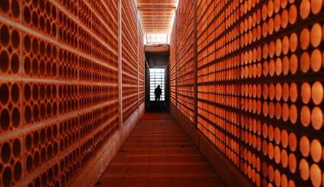 el cogul. El centre d'interpretació va ser un projecte de Prudenci Espanyol i José Ángel Hidalgo.