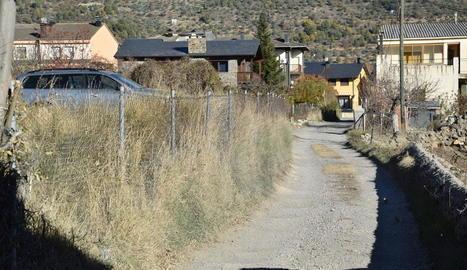 El camí Nord està encara sense asfaltar.