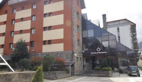L'edifici que acollirà la residència geriàtrica.