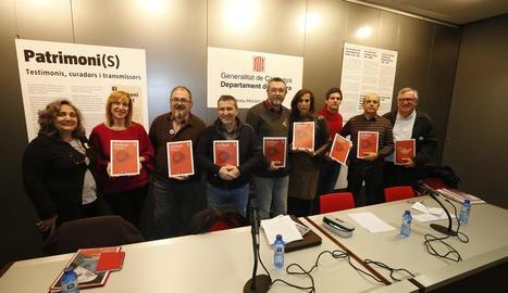 La revista cultural 'Shikar' i el patrimoni - L'Arxiu Històric de Lleida va acollir ahir la presentació del número 4 de la revista cultural Shikar, que impulsa el Centre d'Estudis Comarcals del Segrià. L'acte va incloure el debat El p ...