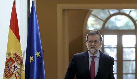Mariano Rajoy a l'arribada al Palau de la Moncloa, ahir.