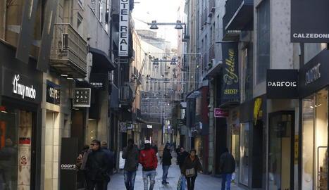 Vista del tram central del carrer Major de Lleida, dissabte passat al matí.