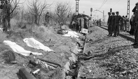 Un tren mata deu nens i quatre mestres