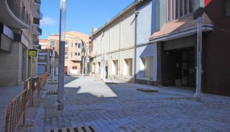 El carrer Ciutat de Lleida de Mollerussa.