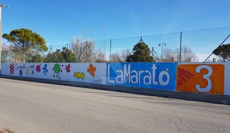 L'alcalde de Gimenells critica TV3 per un mural de La Marató