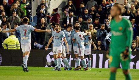 Els futbolistes del Celta celebren l'empat de Sisto.