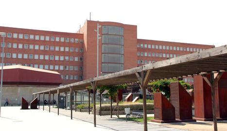 Vista exterior de l'Hospital Arnau de Vilanova.