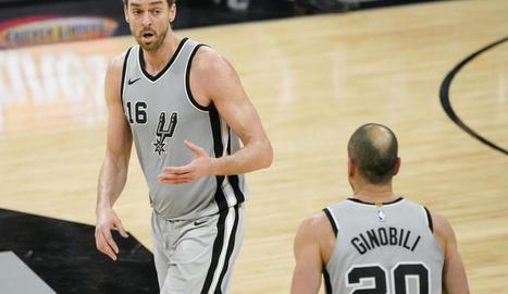 Pau Gasol, durant un partit amb els Spurs.