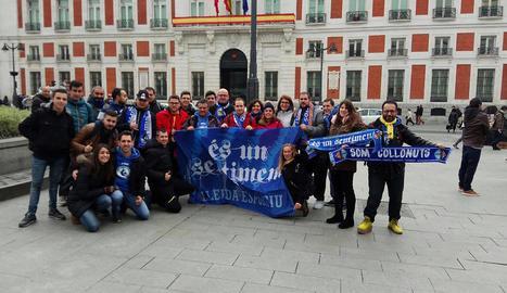 Seguidors de la penya És Un Sentiment, ahir a Madrid.