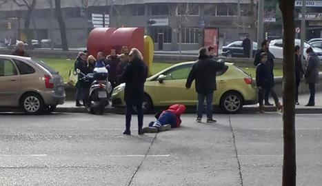Un motorista va resultar ferit ahir en una col·lisió a Lleida.