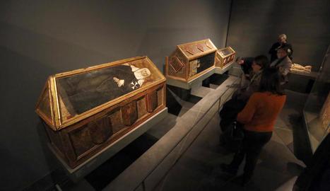 L''últim' dia - Les caixes sepulcrals policromades del segle XV originàries del monestir de Sixena van ser unes de les grans protagonistes el passat 10 de desembre al Museu de Lleida. Aquell diumenge, nombrós públic va aprofitar la jornad ...