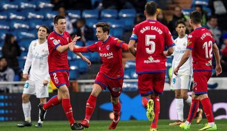 Jugadors del Numància celebren un dels seus gols al Bernabéu.