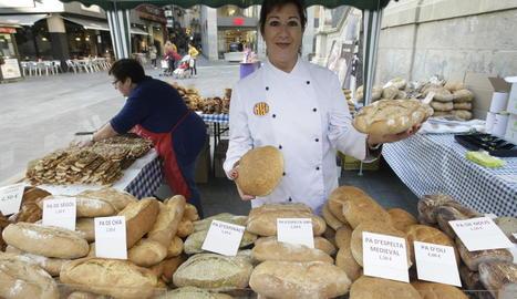 Imatge d'arxiu d'una parada del Gremi de Forners el dia mundial del pa.