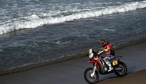 Joan Barreda, durant la cinquena etapa del Dakar 2018, entre San Juan de Marcona i Arequipa.