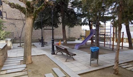 Imatge actual de la Placeta de Sanaüja, que es millorarà íntegrament.