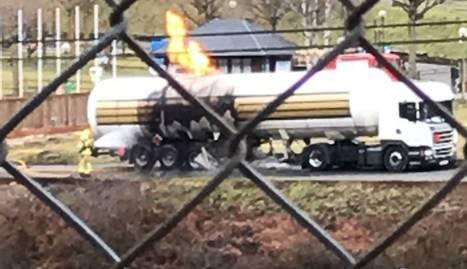 El camió de matèries perilloses incendiat a Les.
