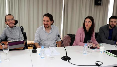 Echenique, Iglesias i Montero a la reunió d'ahir.