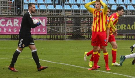 Bojan Radulovic, que va marcar el gol de la victòria, es lamenta per una ocasió fallada al primer temps.