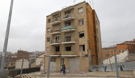 Comencen els preparatius per a la demolició de l'edifici del call