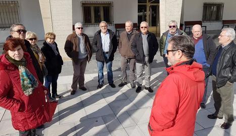 Jubilats de Mequinensa es van concentrar dilluns per protestar per la pèrdua de poder adquisitiu.