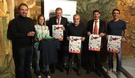 La prova es va presentar ahir a la Diputació per l'alcalde, Enric Mir, i membres del club i espònsors.