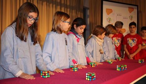 per a tots els públics. Dins la setmana de la ciència van organitzar diferents premis segons les dificultats de cada categoria.