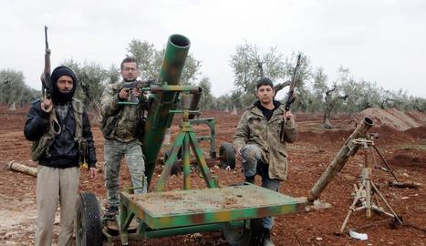 Efectius de l'Exèrcit Lliure de Síria, que dóna suport a Turquia en el seu atac a Afrin, ahir.