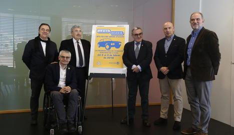 Organitzadors de l'esdeveniment i representants del sector, amb l'alcalde de Lleida, Àngel Ros, ahir.