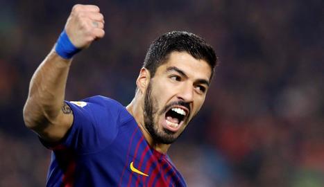 Luis Suárez celebra el gol que igualava en aquells moments l'eliminatòria.