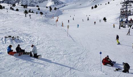 Alta afluència a les pistes d'esquí lleidatanes.