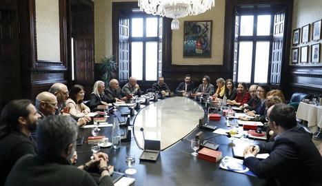 La Mesa del Parlament en què es va acordar el ple del dia 30.