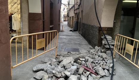 Les obres al carrer Castell, que duraran un mes i mig.