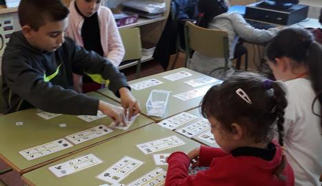 Alumnes de l'escola Magraners, en un taller de consciència fonològica.