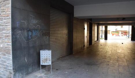 El túnel d'accés dels edificis Codina 5 i 6 de la Seu d'Urgell.